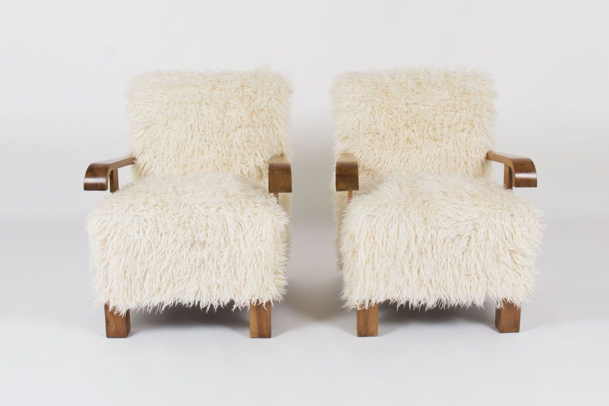 Fauteuils en noyer et tissu imitation agneau de Mongolie 1950 set de 2