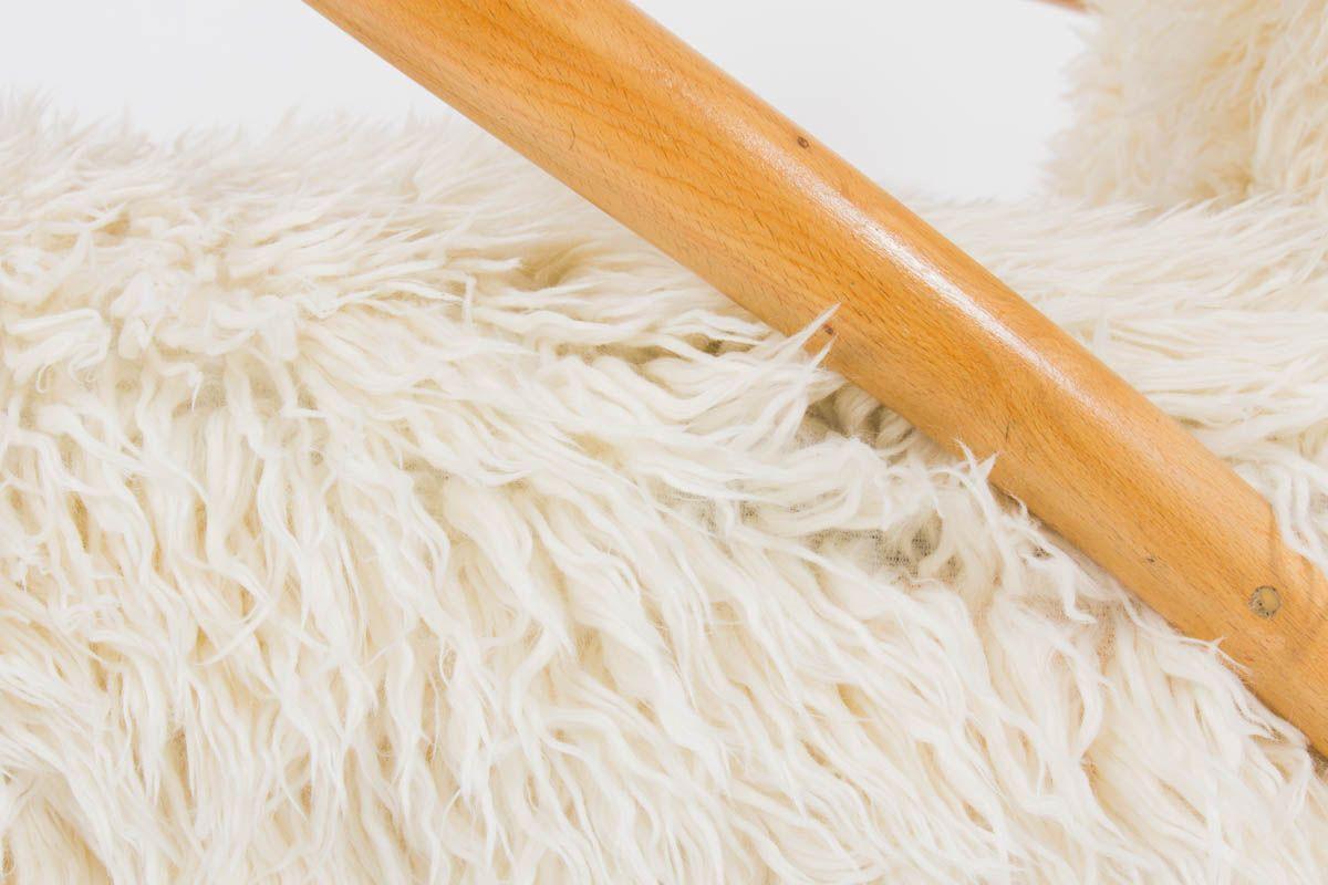 Fauteuils italien en bois clair et tissu imitation agneau de Mongolie 1950 set de 2