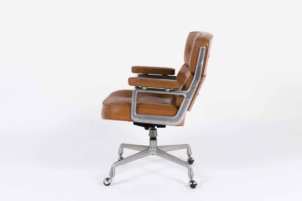 nouvelle collection 5635a 120bd Lobby armchair, iconic model of Charles and Ray Eames in 1960