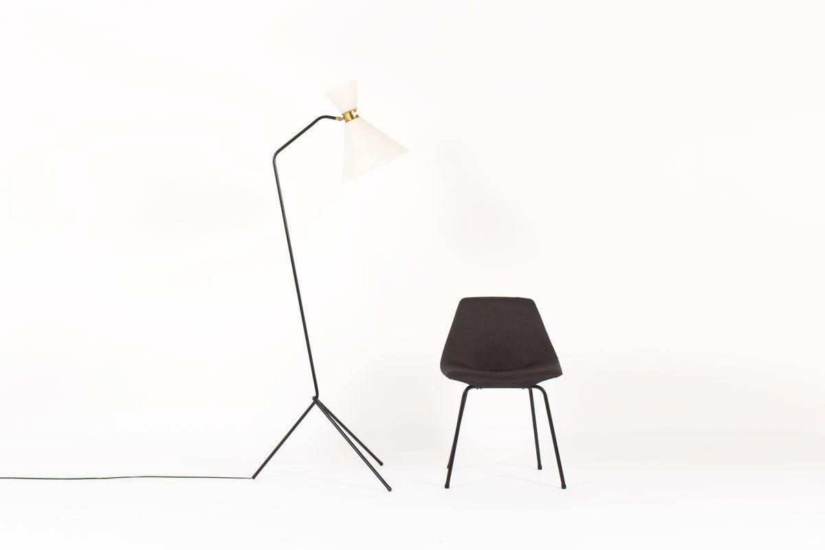 Lampadaire tripode bras coude metal noir et abat-jour blanc design minimaliste 1950