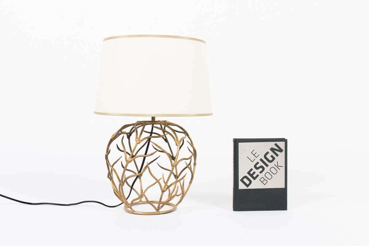 Lampe en metal dore design chic 1950