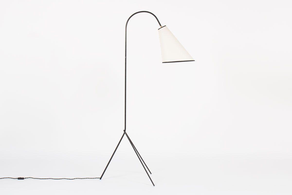 Lampadaire tripode diagonale structure en metal noir abat-jour beige 1950