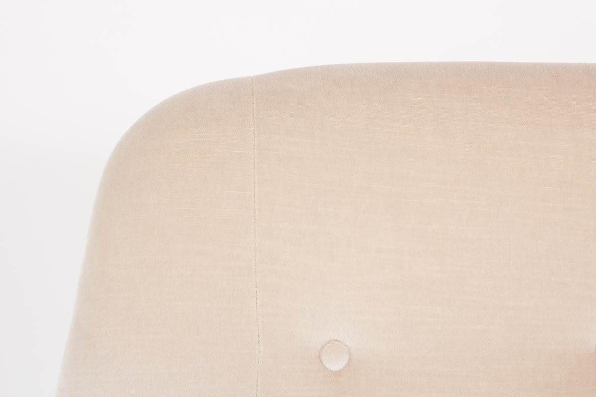 Canape en velours de mohair beige design suedois 1950