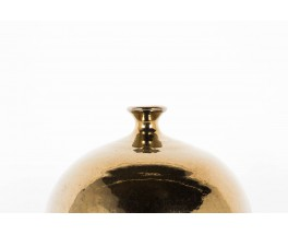 Vase en ceramique dore modele boule col mince 1950