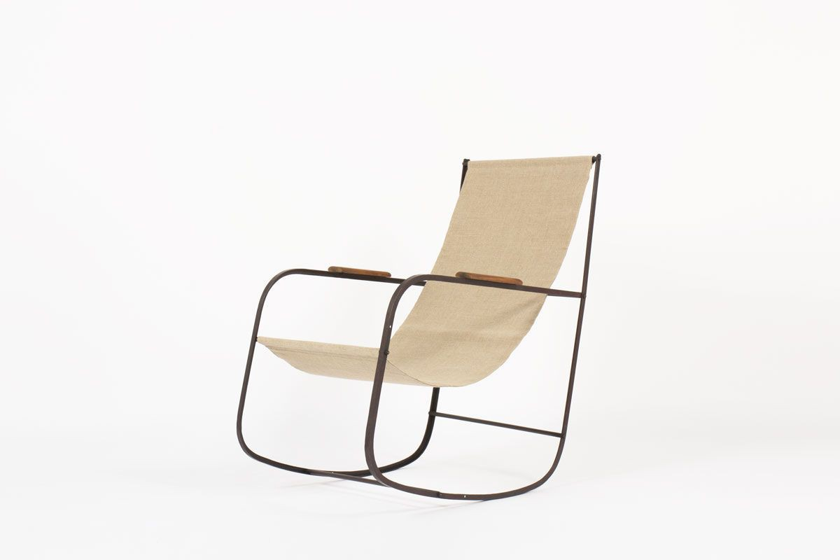 Rocking chair en metal patine et lin beige 1950