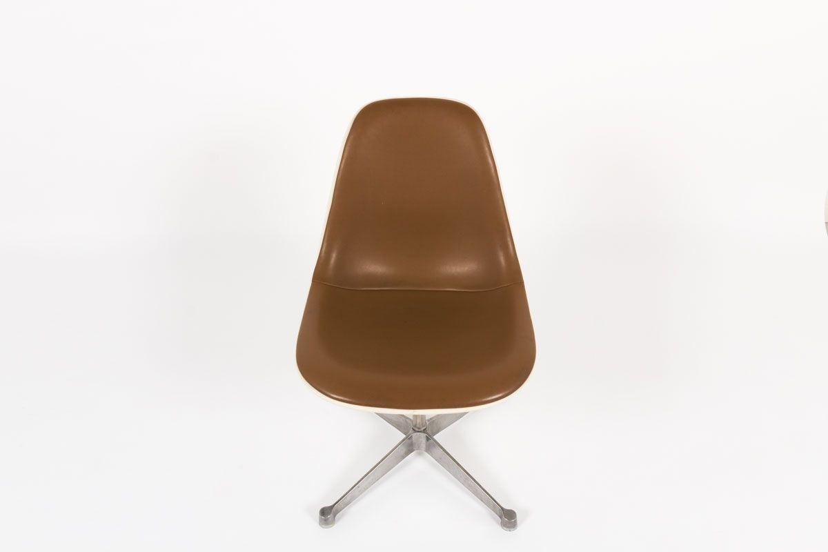 Chaises Charles et Ray Eames skai marron edition Herman Miller 1960 set de 2