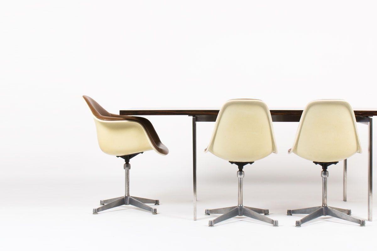Table de repas grand modele 6 personnes palissandre et acier design danois 1960