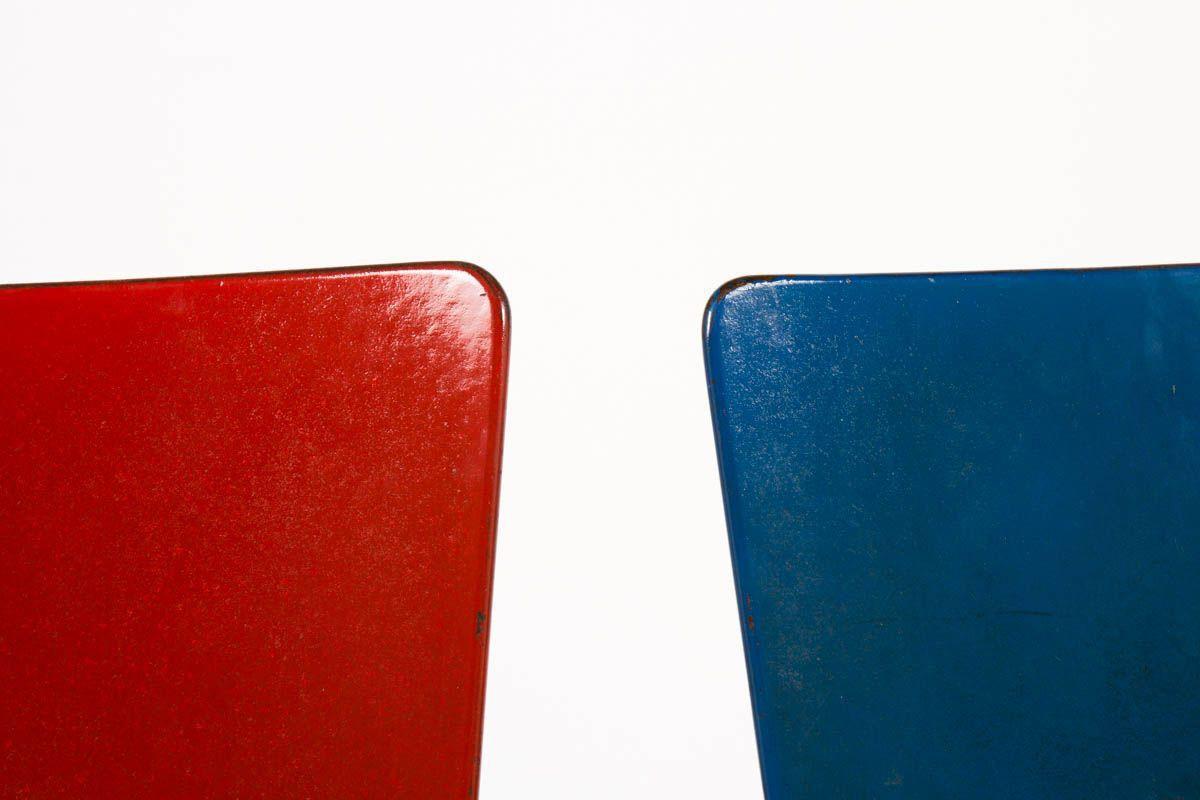 Chaises Andre Sornay en hetre laque bleu et rouge 1950 set de 2