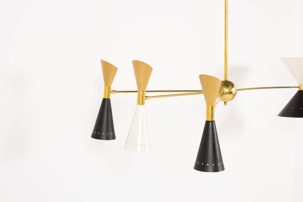 Lustre en laiton et diffuseurs dore noir blanc design contemporain italien