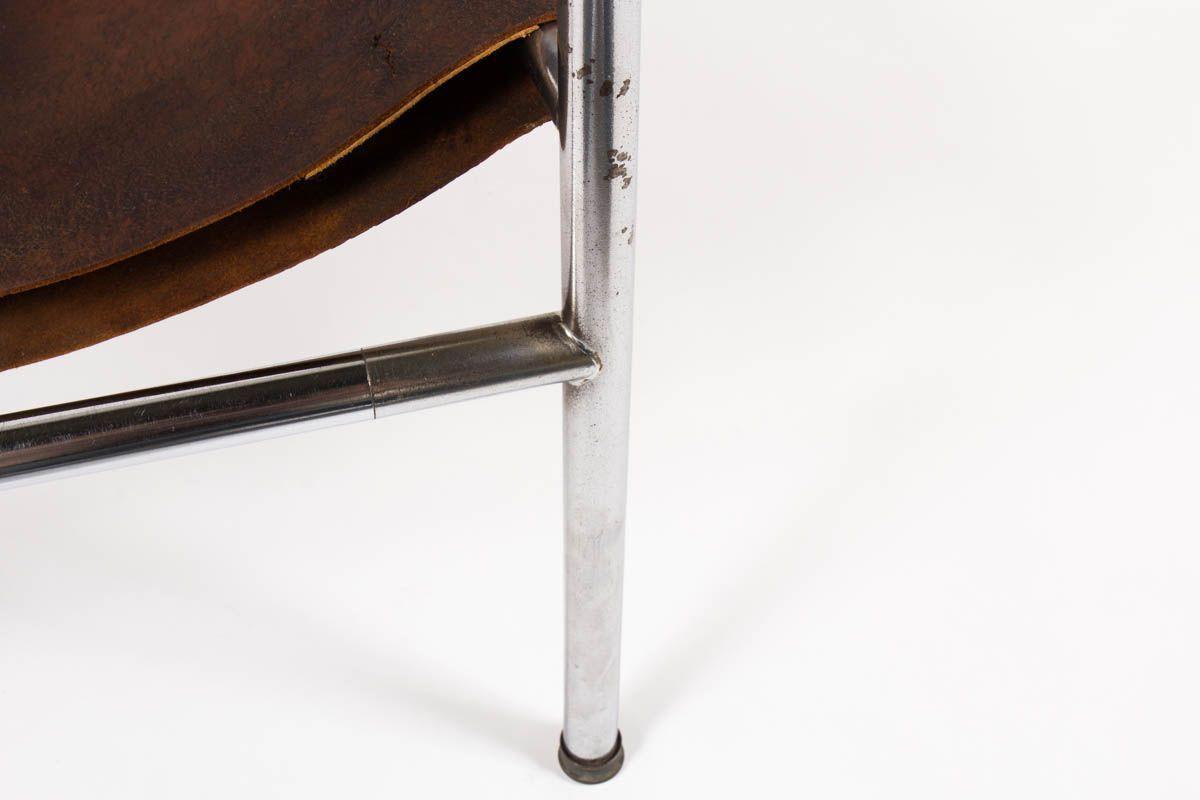 Fauteuil Fritz Haller modele hommage a Le Corbusier cuir marron 1955