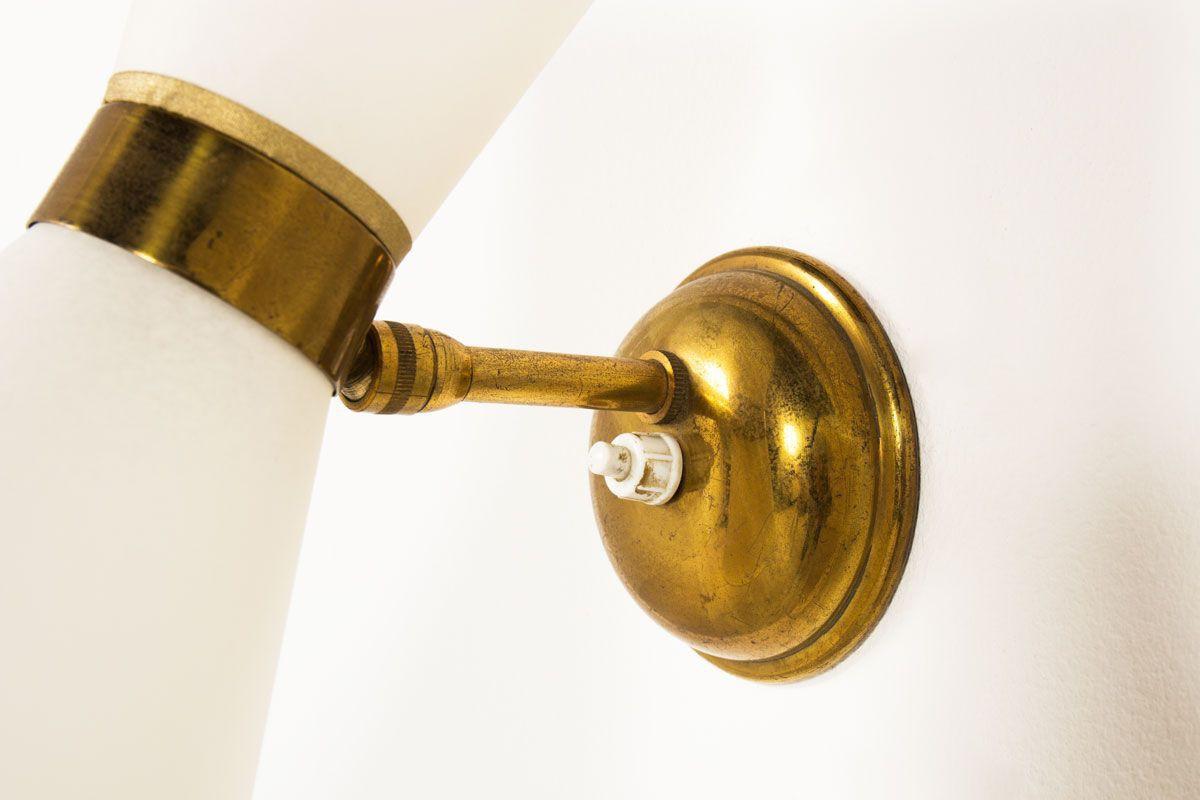 Applique en laiton petit modele abat-jour diabolo beige 1950