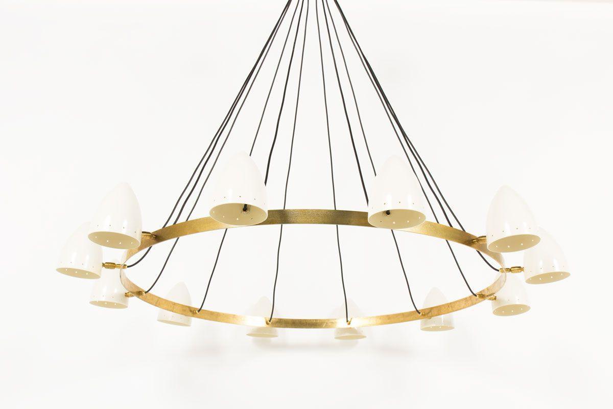 Lustre 12 feux en laiton et diffuseurs blancs design contemporain italien