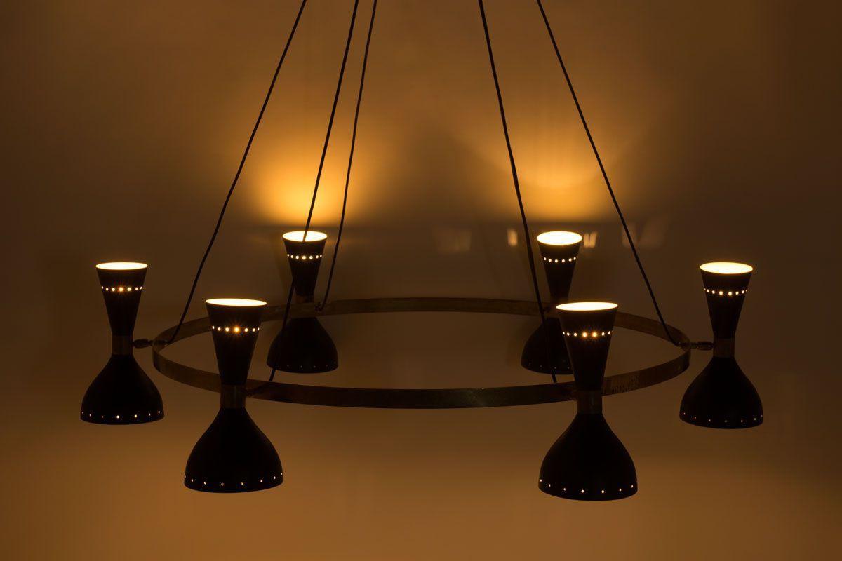Lustre 6 feux en laiton et diffuseurs noirs design contemporain italien