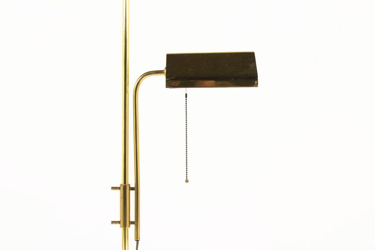 Lampadaire metal dore et marbre de Carrare 1950