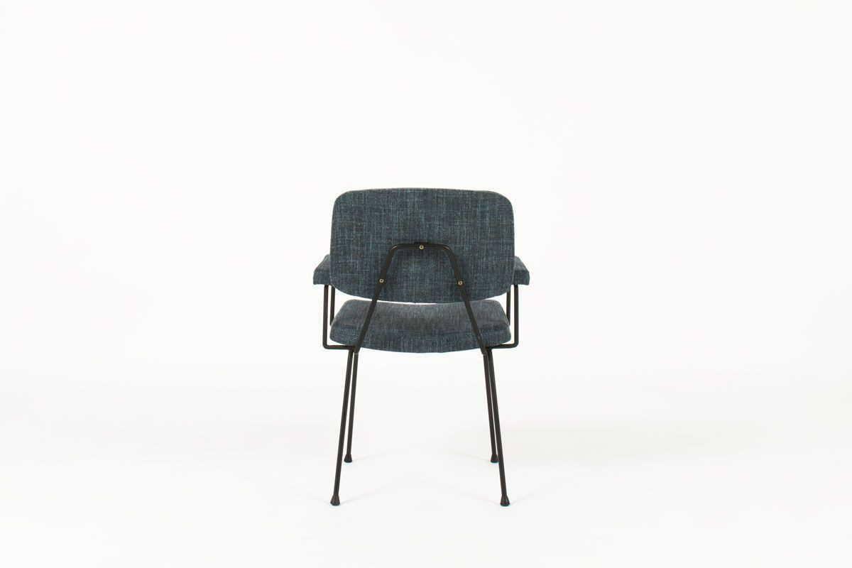 Fauteuil Pierre Paulin modele CM197 tissu bleu edition Thonet 1950