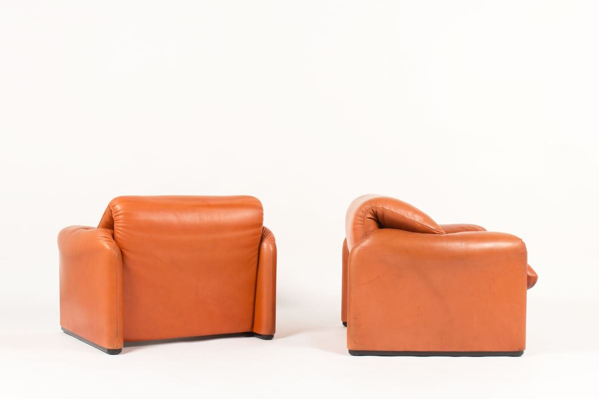 Vico Magistretti armchairs model Maralunga brown leather edition cassina 1970 set of 2