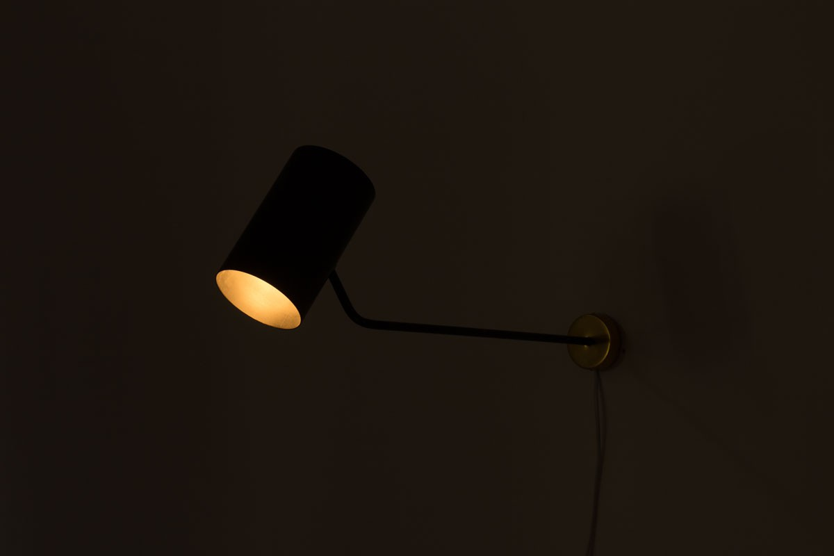 Wall lamp large model in black metal and gold aluminum edition Parscot 1950