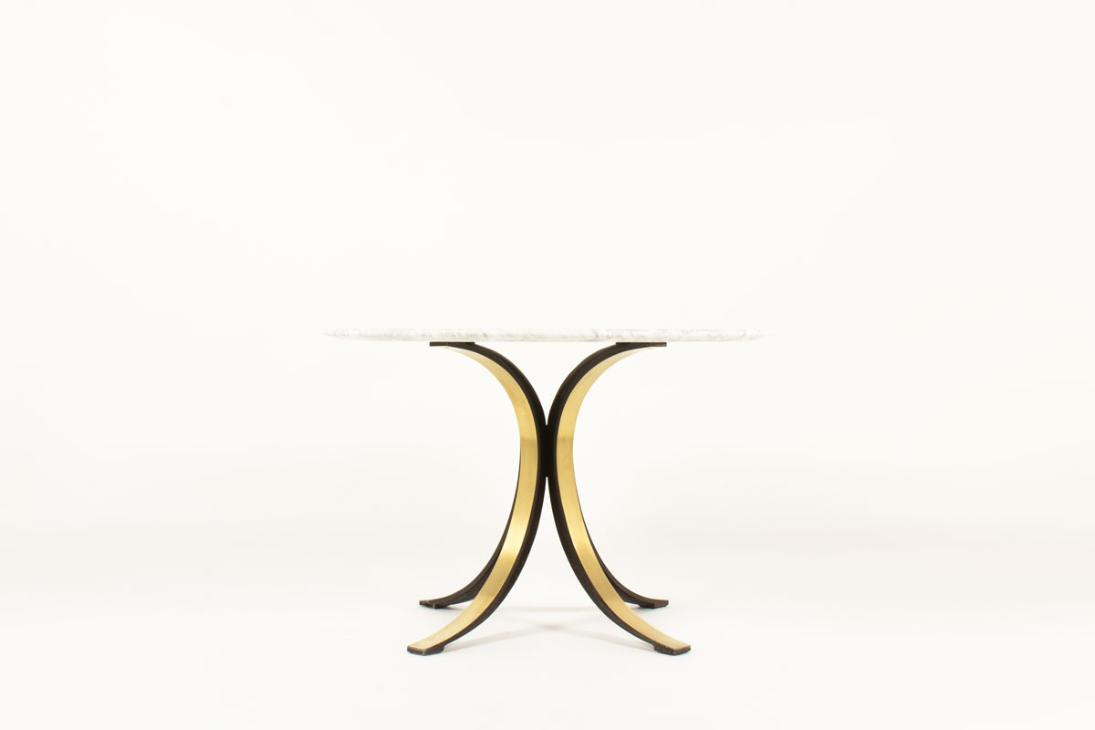 Table ronde Osvaldo Borsani modèle T69 laiton et marbre de Carrare édition Tecno 1960
