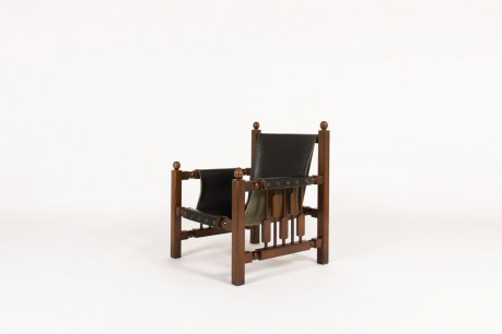 Armchair in oak with black leatherette Spanish design 1950
