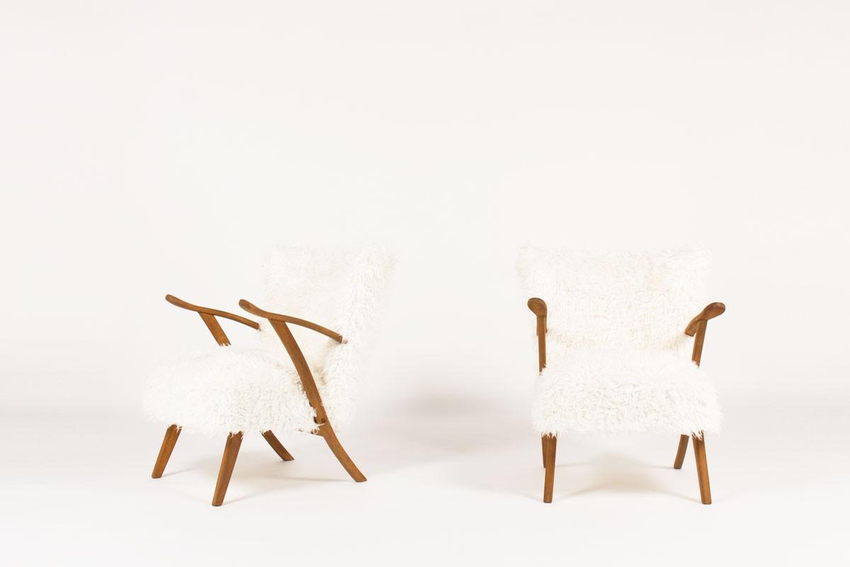 Fauteuils en chêne et tissu poil blanc 1950 set de 2