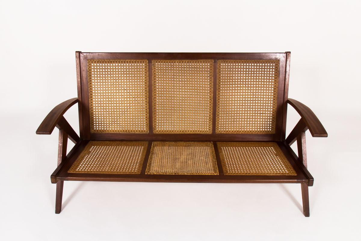 Canapé en teck et cannage 1950