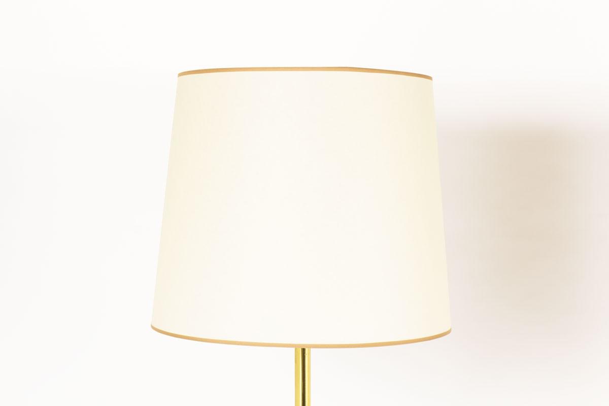Lampadaires en laiton abat-jours papier beige 1950 set de 2