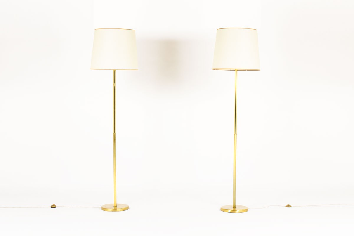 Floor lamps in brass with beige paper lampshades 1950 set of 2