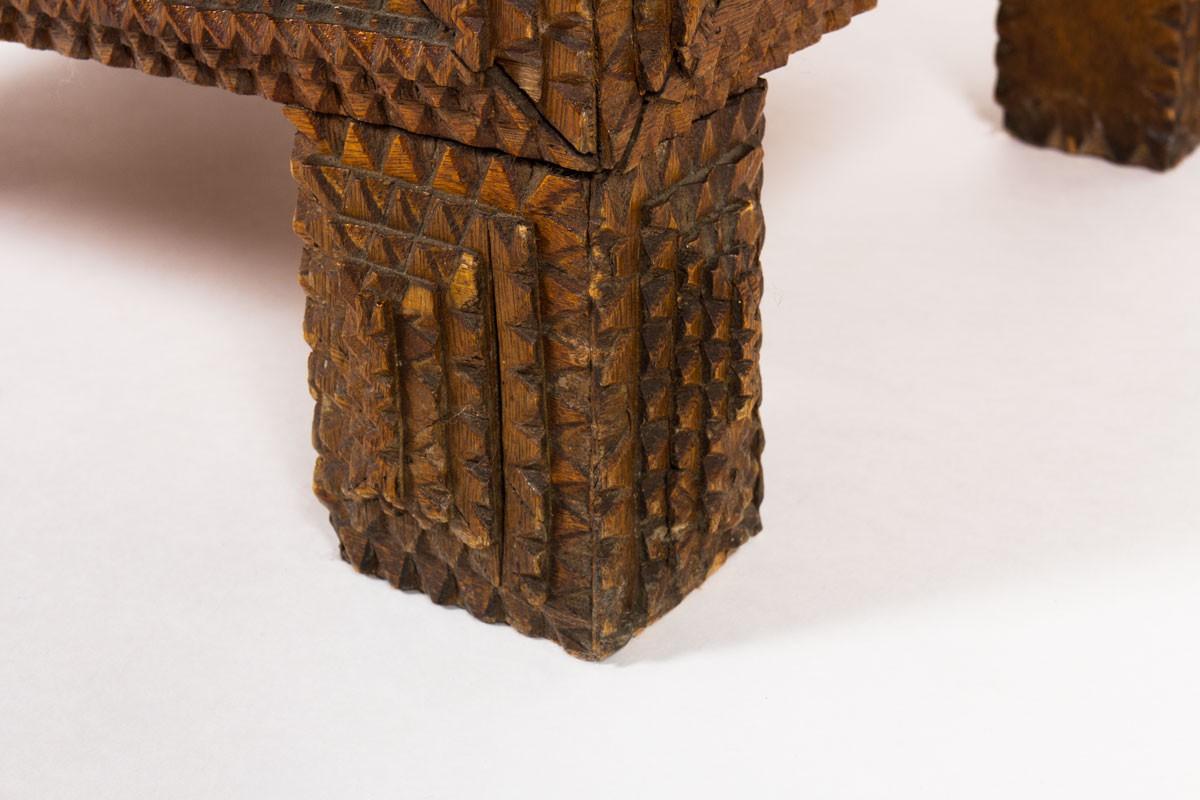 Meuble en chêne sculpté design brutaliste 1950