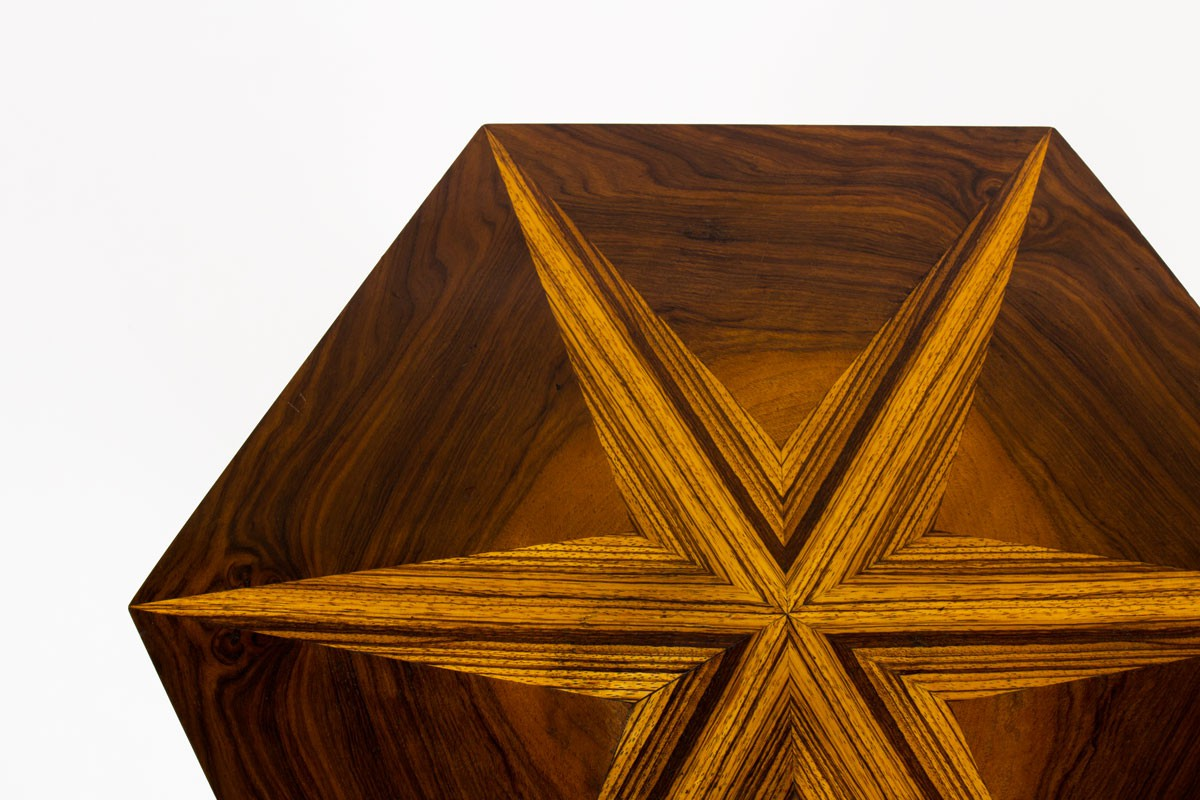 Table basse hexagonale en marqueterie Art Déco 1930