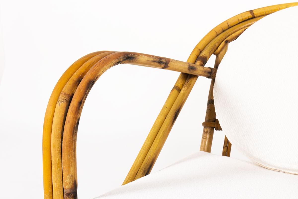 Chauffeuses Audoux Minet en rotin et tissu bouclette Maison Thevenon 1950 set de 2