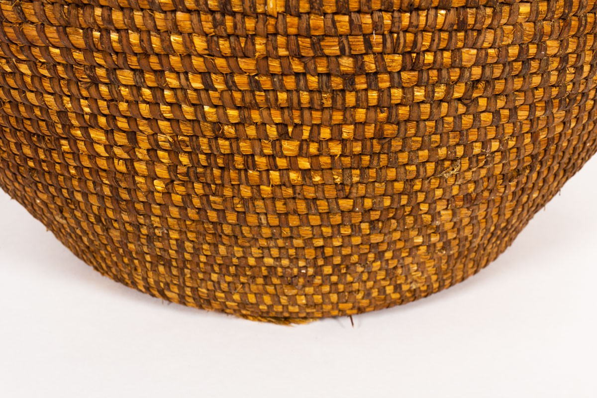 Flowerpot in rye and straw large model