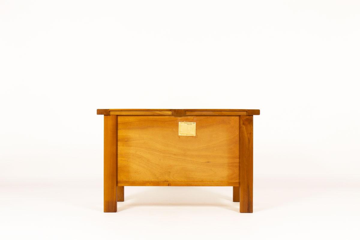 Commode à tiroirs en orme et cuir édition Maison Regain 1980