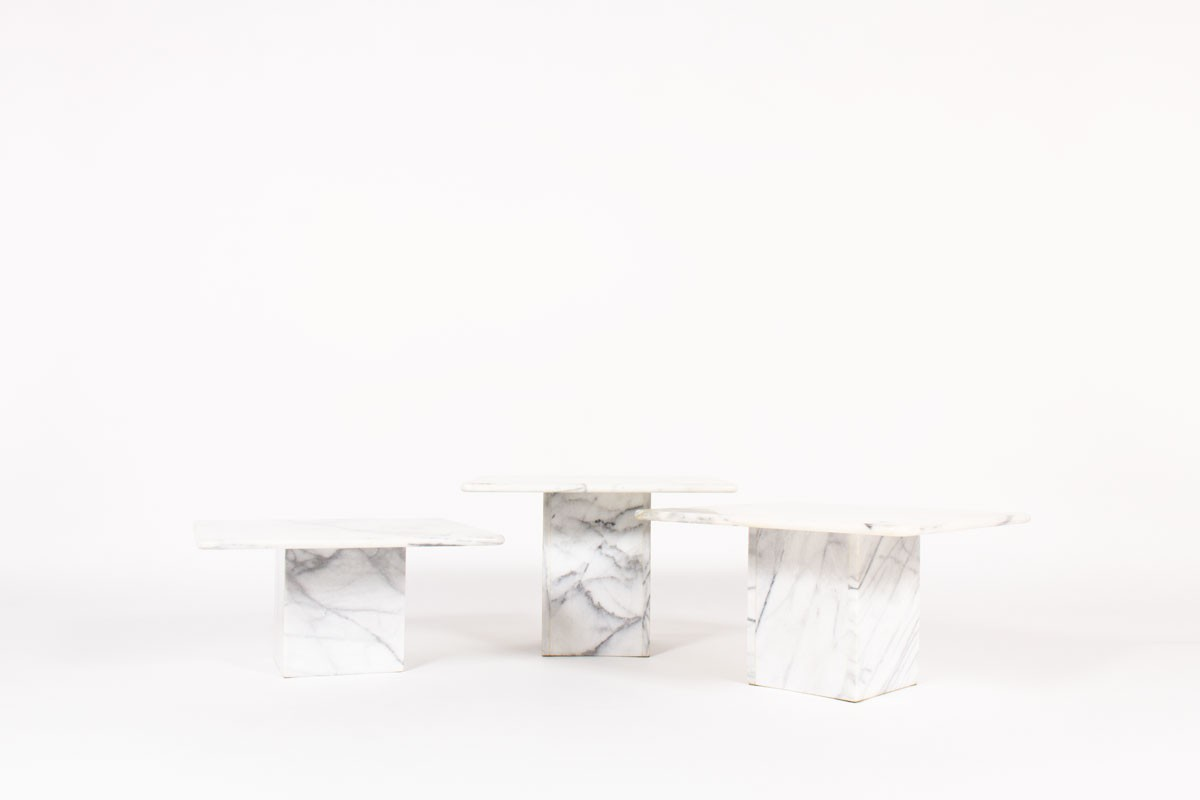 Nesting coffee tables in Carrara marble 1970 set of 3