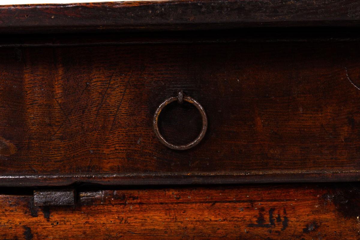 Table basse art populaire en chêne design brutaliste XIXème siècle