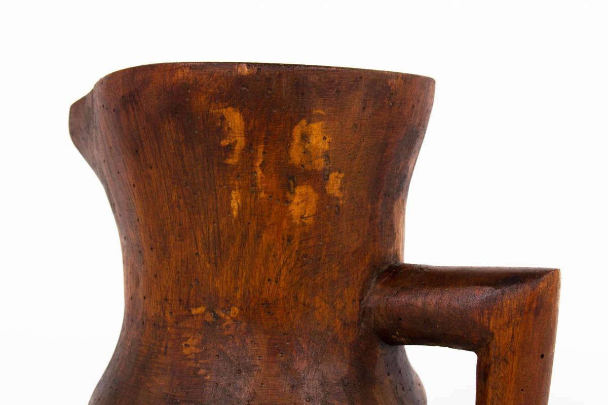 Pichet monoxyle en bois Art Populaire 1950
