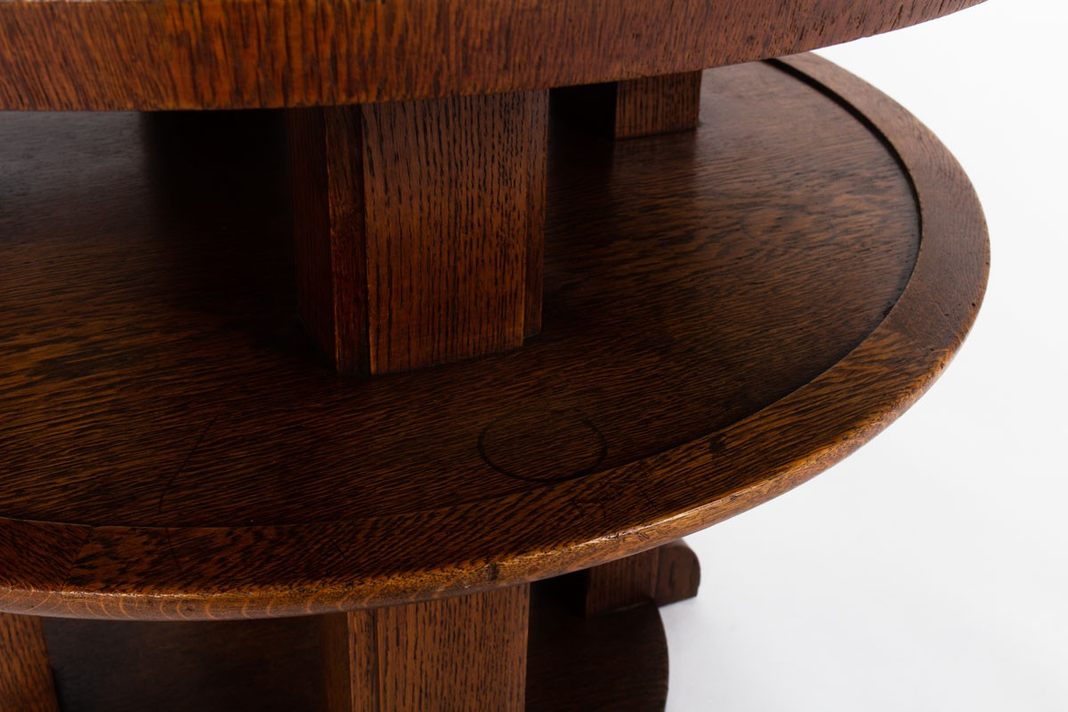 Round oak pedestal table Art Deco design 1930