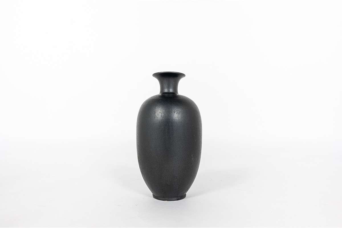 Vase en céramique noir mat design allemand 1960