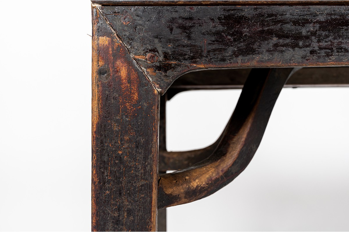 Console table in dark elm Chinese design 1900