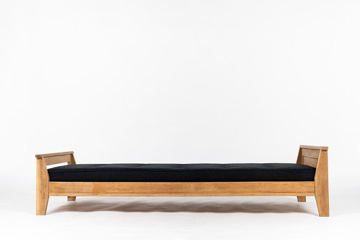 Daybed René Gabriel en chêne et lin noir design reconstruction 1950