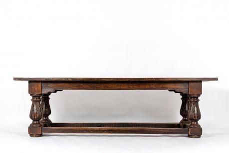 Console très grand modèle en chêne design espagnol XVIIIème siècle
