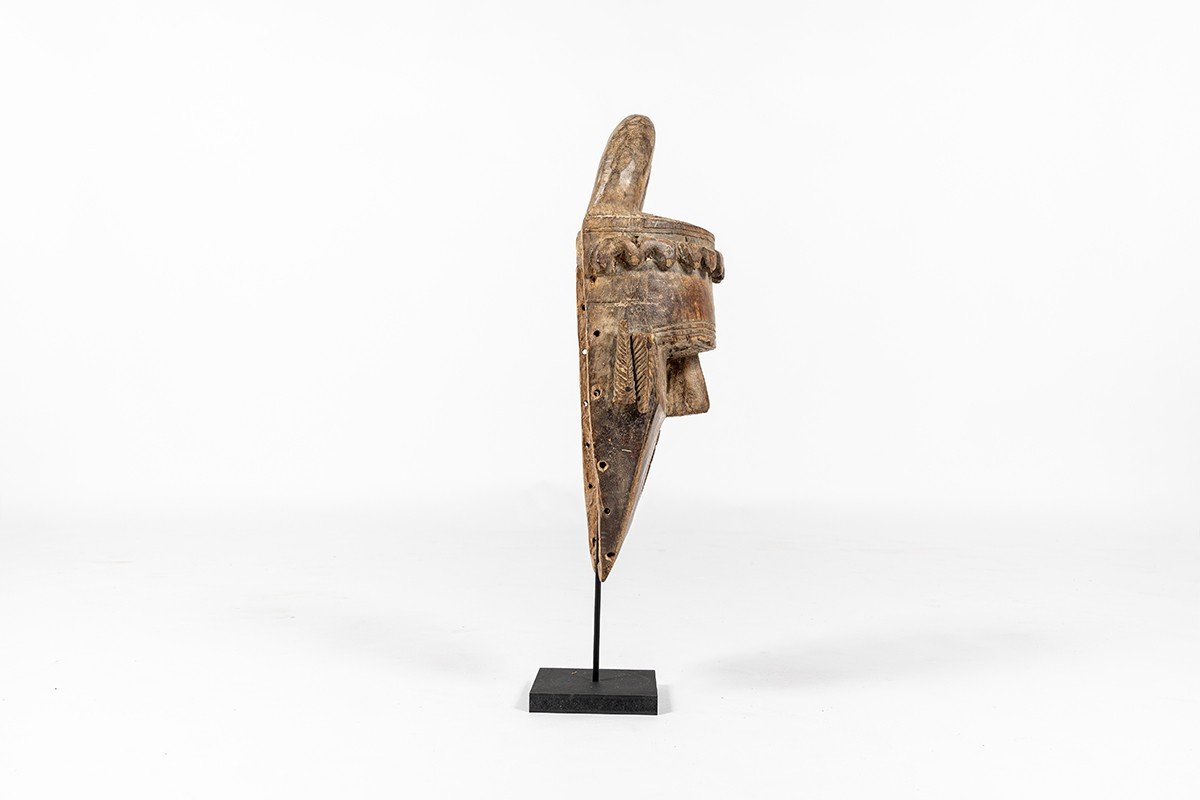 Decorative mask in wood African design