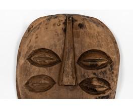 Masque mural design brutaliste africain 1950