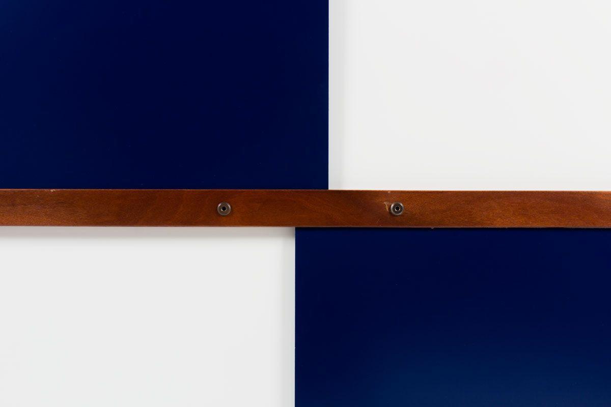 Armoire Andre Sornay en acajou et laque blanche et bleu 1950