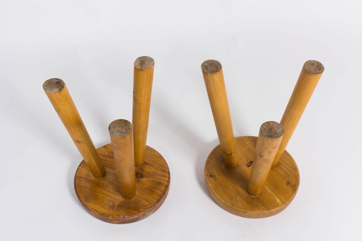 Tabourets Charlotte Perriand en pin pour Les Arcs 1950 set de 2