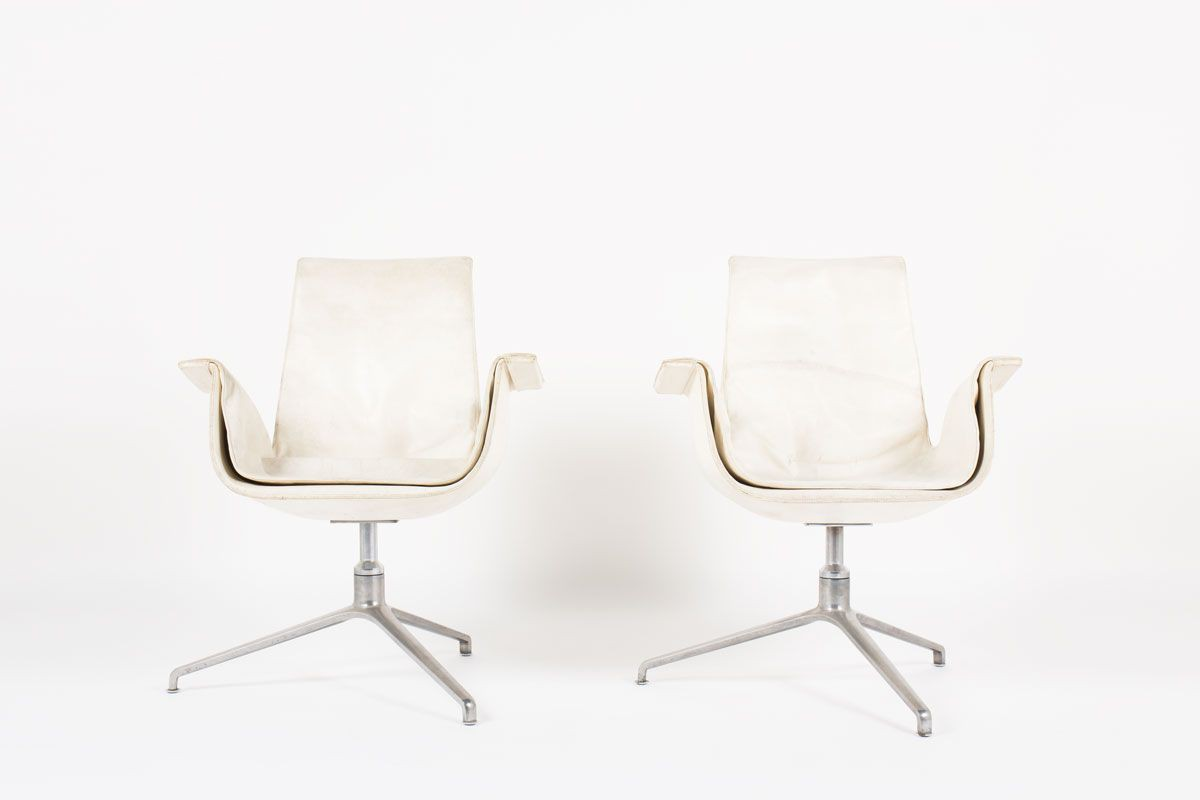 Fauteuils Preben Fabricius et Jorge Kastholm modele 6772 en cuir blanc edition Kill International 1960 set de 2